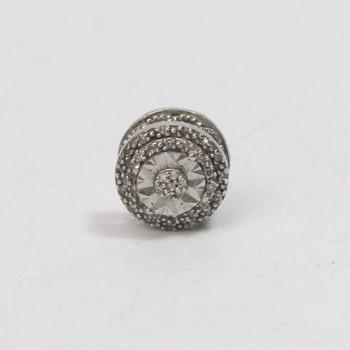 1.03g Silver Earring With Diamonds