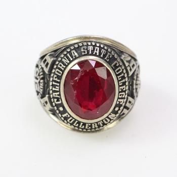 10k Gold 15.96g Class Ring With Red Stone