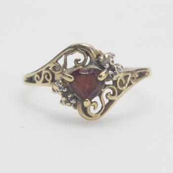 10k Gold 1.91g Ring With Red Stone