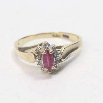 10k Gold 2.26g Ring With Pink And Clear Stones