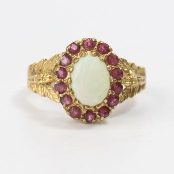 10k Gold 3.15g Ring With Pink And Iridescent Stones