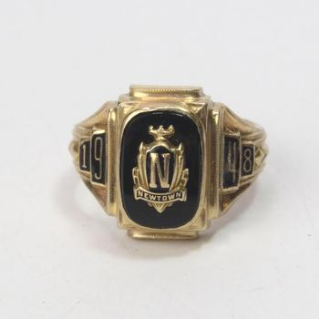 10k Gold 7.20g Class Ring With Black Inlay