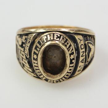 10k Gold Class Ring 5.7g