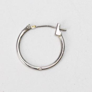 10k White Gold 0.18g Hoop Earring