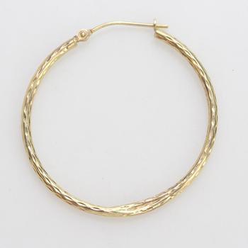 10kt Gold 0.82g Single Hoop Earring