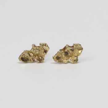 10kt Gold 0.89g Pair Of Nugget Style Earrings