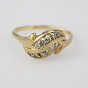 10kt Gold 1.29g Ring With Diamond Accents