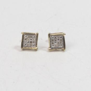 10kt Gold 1g Diamond Earrings