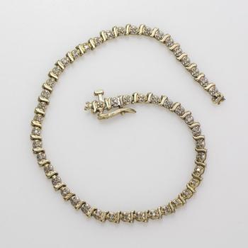 10kt Gold 4.95g Bracelet With Diamonds