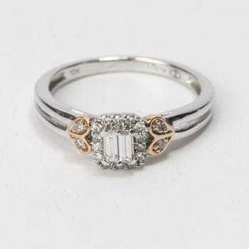 10kt Two-toned Gold 2.5g Ring With Diamonds