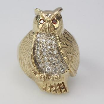 11k Gold 15.0g Diamond And Red Stone Owl Ring