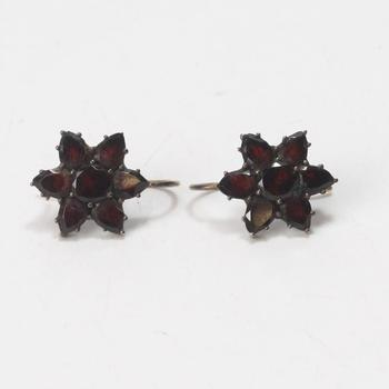 11k Gold 2.37g Earrings With Red Stones