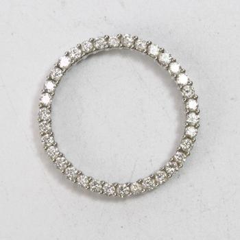 11k White Gold 3.22g Pendant With Diamonds