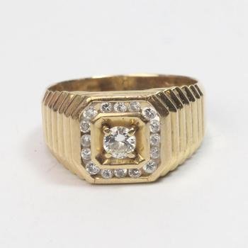 12k Gold 6.67g Ring With Diamonds