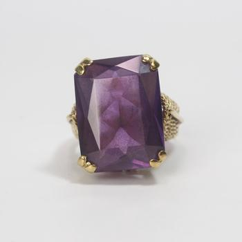 13k Gold 11.16g Ring With Purple Stone