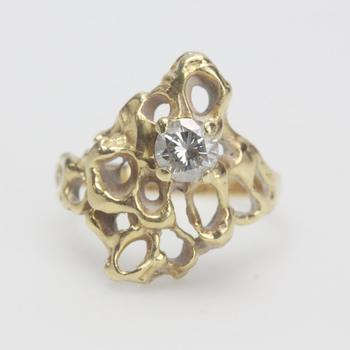 13k Gold 5.35g Ring With Diamond