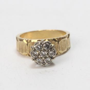 13k Gold 5.62g Ring With Diamonds