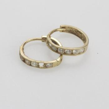 13kt Gold 0.69g Pair Of Hoop Earring With Clear Stones