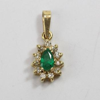 13kt Gold 0.85g Pendant With Green Stone And Diamond Accents
