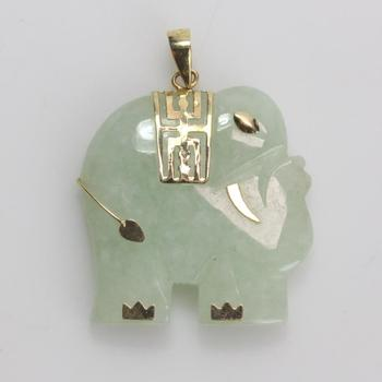 13kt Gold 7.09g Green Stone Elephant Shaped Pendant