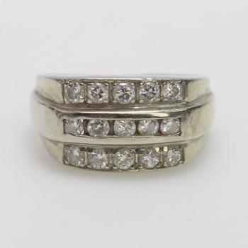 13kt White Gold 5.5g Diamond Ring