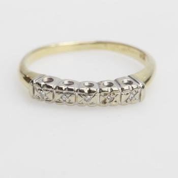 14k Gold 1.12g Ring With Clear Stone Accents