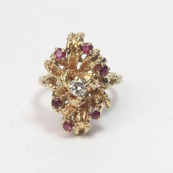 14k Gold 11.59g Ring With Diamond And Red Stones
