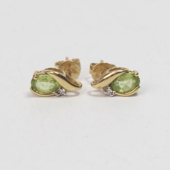 14k Gold 1.58g Earrings With Green And Clear Stones