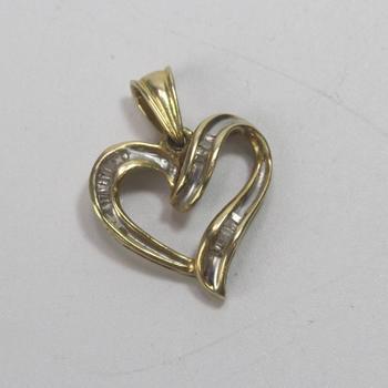 14k Gold 2.09g Heart Pendant With Diamonds
