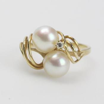 14k Gold 2.56g Ring With Pearls And Clear Stone
