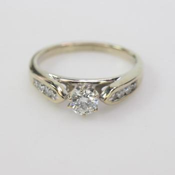 14k Gold 3.43g Diamond Ring