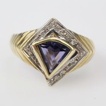 14k Gold 5.6g Diamond Accent And Purple Stone Ring
