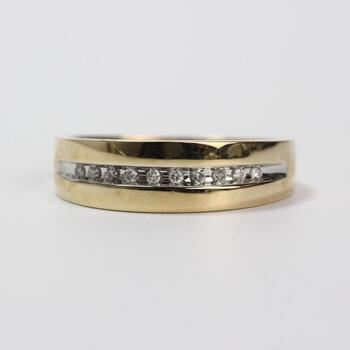 14k Gold Diamond Ring 3.4g