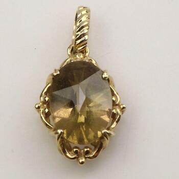 14k Gold Green Stone Pendant