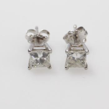 14k White Gold 0.73g Diamond Earrings