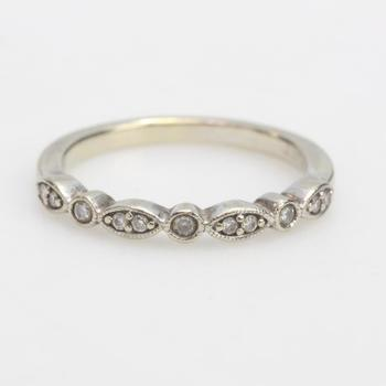 14k White Gold 2.56g Ring With Diamond Accents