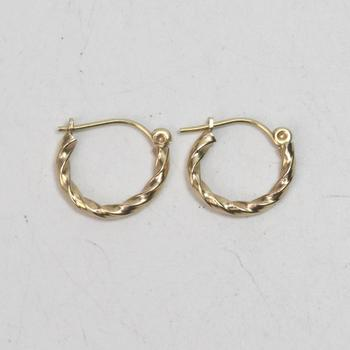 14kt Gold 0.61g Pair Of Hoop Earrings