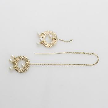 14kt Gold 2.28g Earrings With White Beads