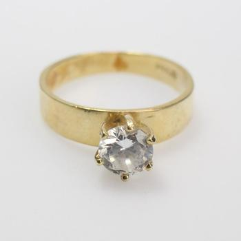 14kt Gold 2.8g Ring With Clear Stone