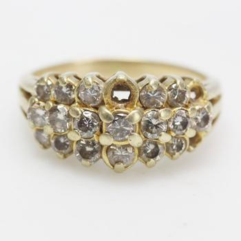 14kt Gold 4.88g Ring With Diamond Accents