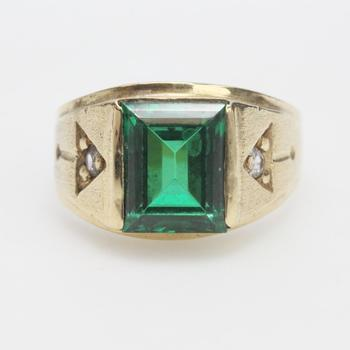 14kt Gold 5.67g Ring With Green And Clear Stones