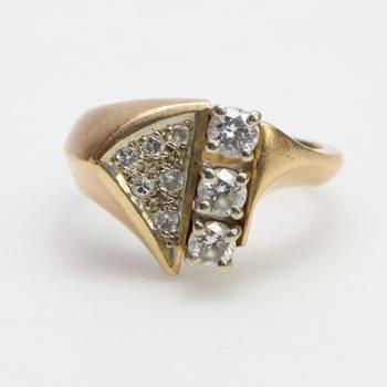 14kt Gold 6.55g Ring With Diamond Accents