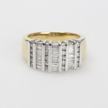 14kt Two-toned Gold 8g Ring With Diamonds
