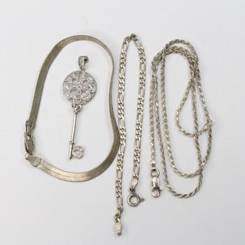 16.15g .800-.900 Silver Jewelry, 4 Pieces