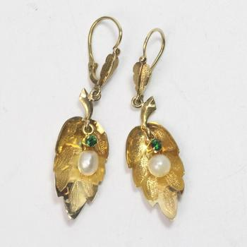 16k Gold 4.57g Earrings With Pearls And Green Stones