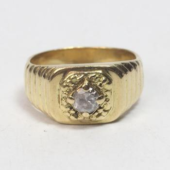 17k Gold 15.26g Ring With Clear Stone