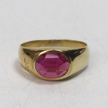 17k Gold 9.12g Ring With Red Stone