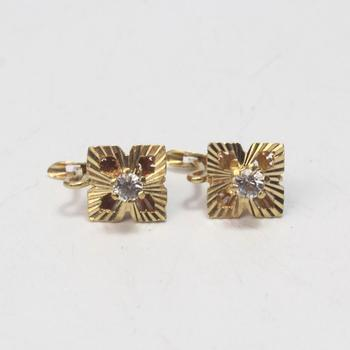 17kt Gold 3.63g Pair Of Earrings With Clear Stones