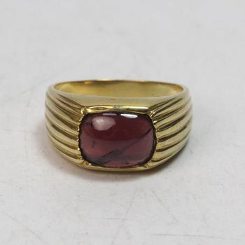 18k Gold 6.61g Ring With Purple Stone
