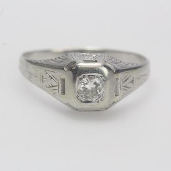 18kt White Gold 4.99g Diamond Ring